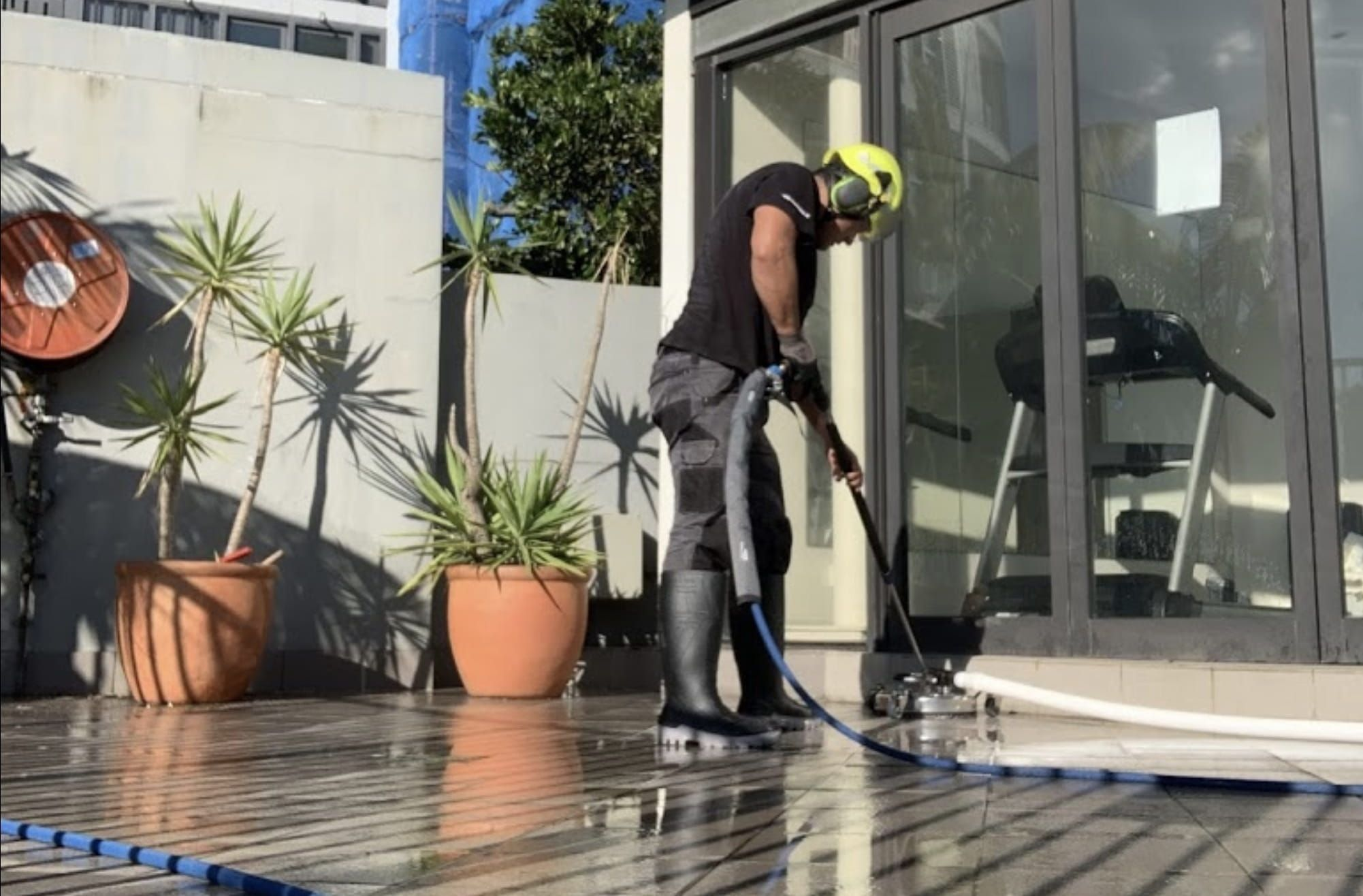 professional pressure washing service
